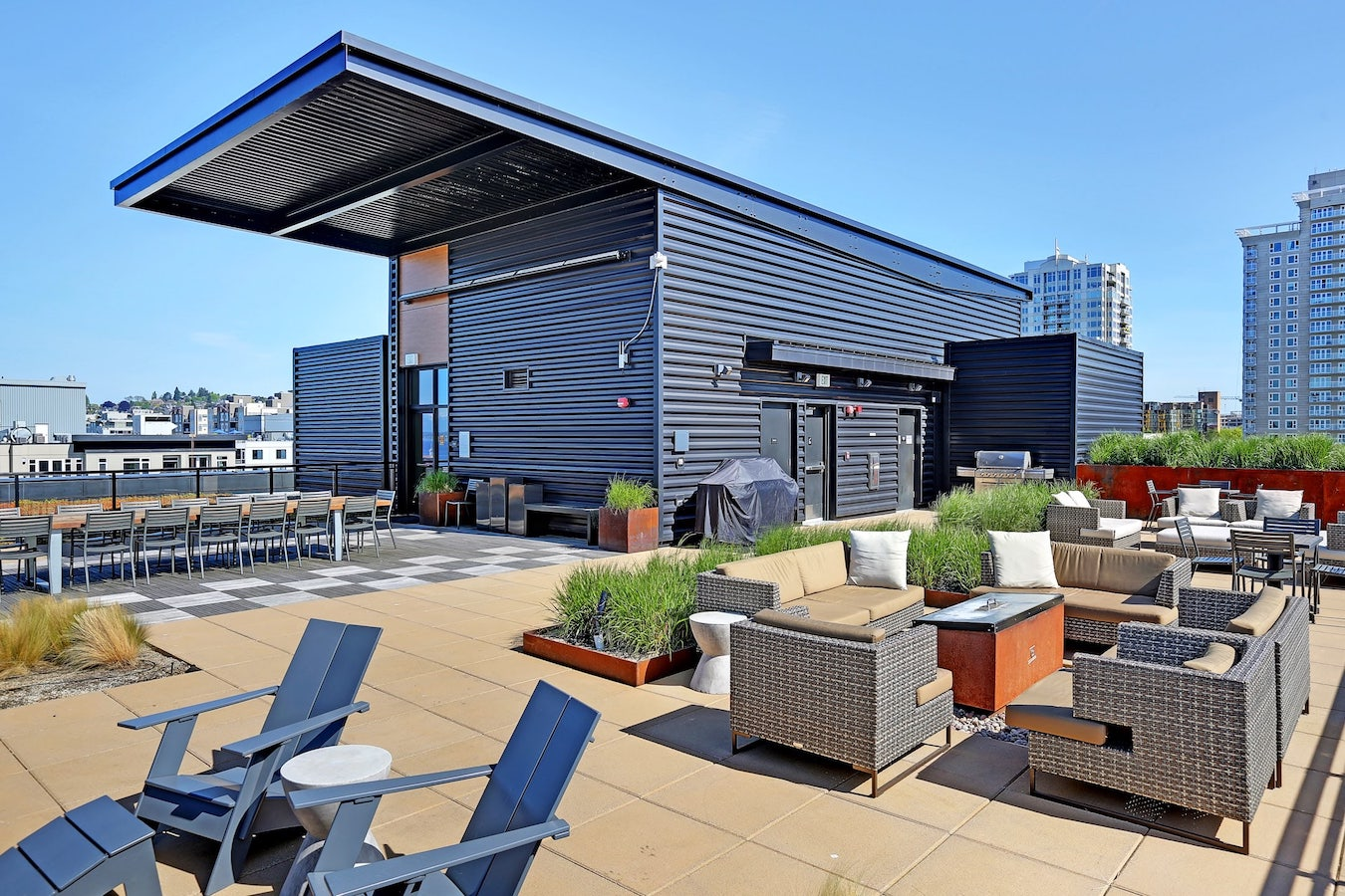 Amenities - Rooftop Lounge